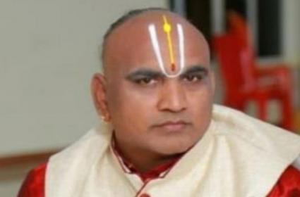 TTD Priest Srinivasacharyulu Succumbs To COVID-19