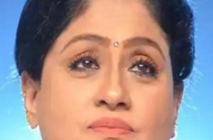 Vijayashanti Likely To Quit Congress And Join BJP