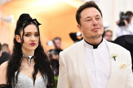Tesla CEO Elon Musk's Girlfriend Grimes Reveals Her Tattoo in This Topless Picture