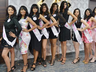 F Saloon, a leading saloon in Hyderbad's Jubilee Hills has imparted training to the finalists of Trends Miss Hyderabad 2017 on Friday. Saloon organiser Bhargavi trained the finalists about the latest trends in coiffure. - Sakshi Post