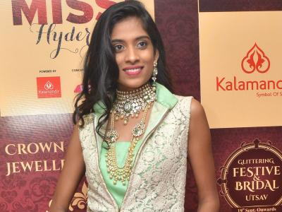 The finalists of Trends Miss Hyderabad 2017 visited Kalasa Jewellers in Banjara Hills and gave a demo of festive and bridal jewellary. - Sakshi Post