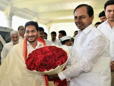 AP CM YS Jagan Meets Telangana  Counterpart K Chandrasekhara Rao In Hyderabad - Sakshi Post