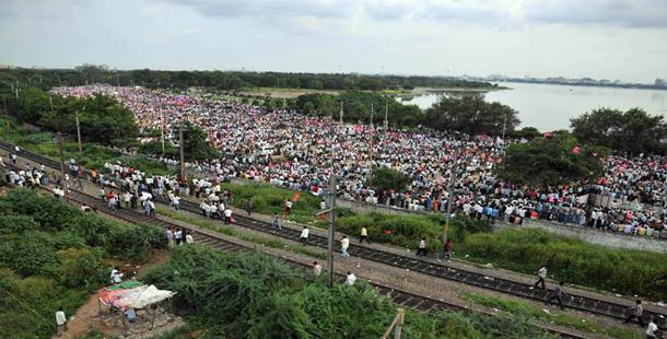 Fissures in Telangana camp out in the open - Sakshi Post