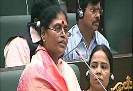 Injustice is being meted out to AP's 10 crore people: Vijayamma - Sakshi Post