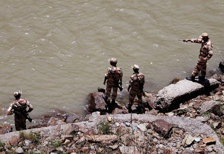 Himachal tragedy: Rescuers battle strong rapids, low visibility - Sakshi Post