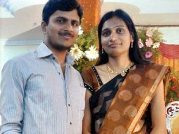 Couldn't share life, but shared poison - Sakshi Post
