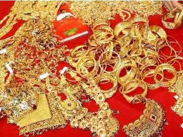Bride's Jewellery Worth Rs.16 lakh Stolen Moments before Marriage - Sakshi Post