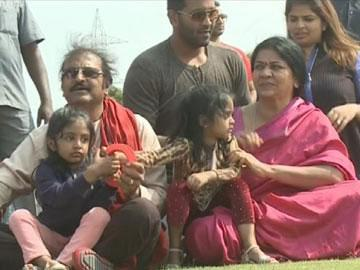 Kite festival draws enthusiasts from far and wide - Sakshi Post