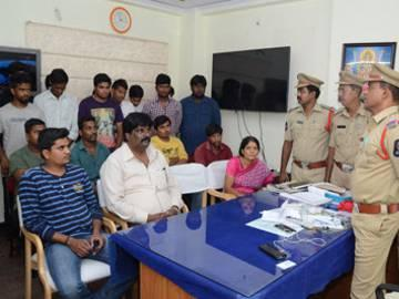 Hookah centers raided, cases filed against owners - Sakshi Post