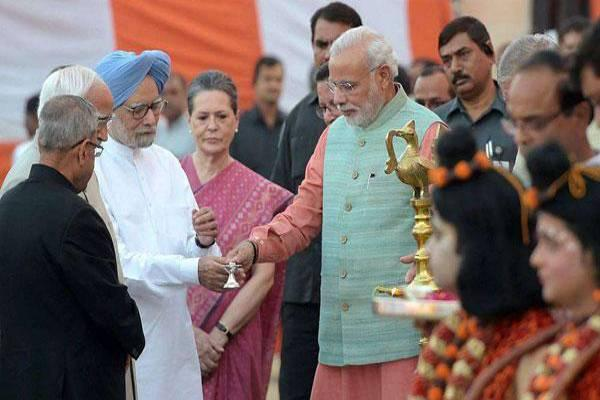 Generally, Prime Minister, President and leaders of opposition parties participate Dussehra celebrations in New Delhi. - Sakshi Post