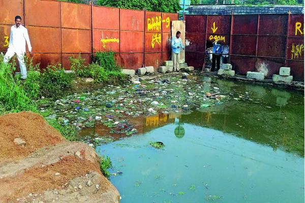 HMR has agreed to pay Rs4-lakh compensation to the family of the boy, who drowned in metro pit at Monda Market, Secunderabad, and died on Thursday. - Sakshi Post