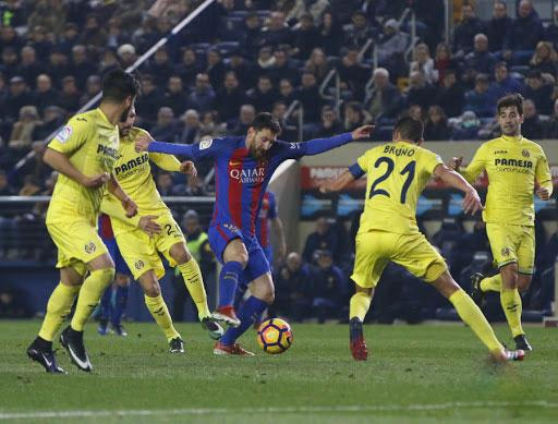 Messi scored his second free kick in just four days in the last minute of the game to cancel out Nico Sansone's opener for Villarreal on Sunday. - Sakshi Post