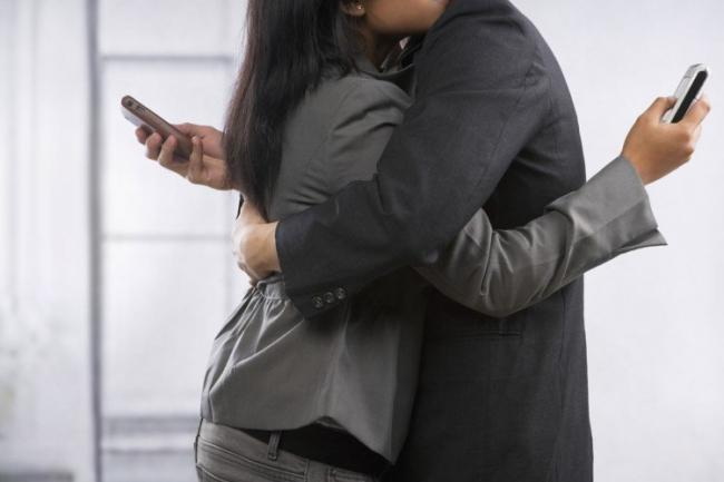 Social isolation is one of the primary factors responsible for rise in instances of internet infidelity in India, says a study. - Sakshi Post