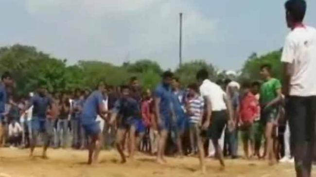 Arjun and Mallikarjun, who were playing in opposite teams, entered into an argument over a fault. Both punched each other while his friends did not try to intervene in the fighting. Mallikarjuna suffered a blow on his face and collapsed on to the gro - Sakshi Post