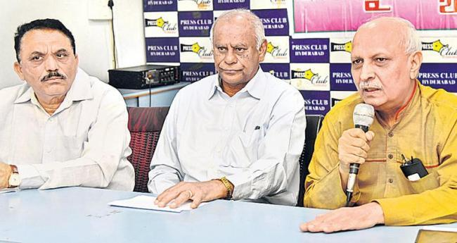 IYR Krishna Rao (right) speaking at the press conference, on Friday. - Sakshi Post