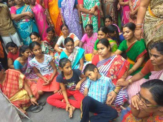 Relatives demanded compensation and staged a protest in front of Mani Reddy's house - Sakshi Post