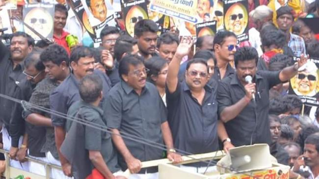Thousands took part on Wednesday in a rally organised by expelled DMK leader M.K. Alagiri - Sakshi Post