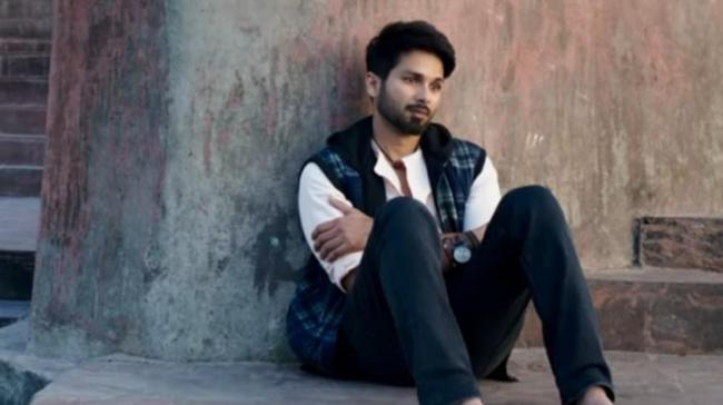 Shahid Kapoor Reveals Truth About Stomach Cancer - Sakshi Post