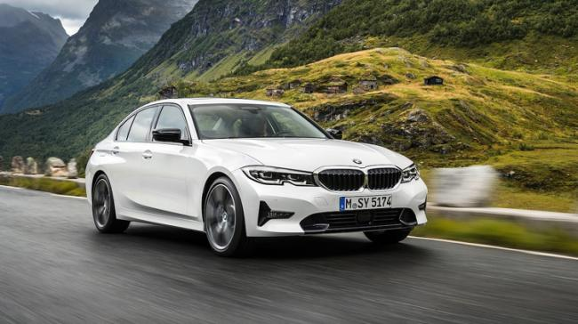 BMW To Pay 10 Million Dollars Penalty For Engine Fire - Sakshi Post