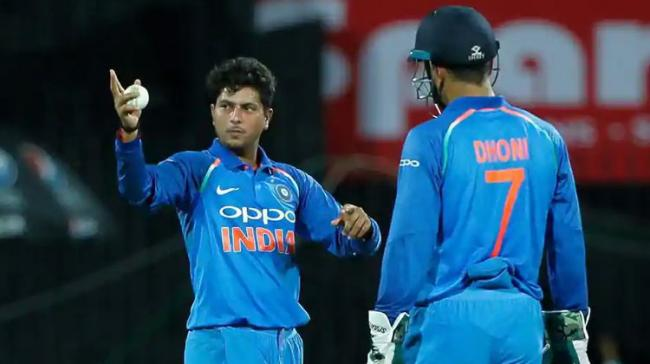 How MS Dhoni Guides Bowlers To Find Their Mark - Sakshi Post