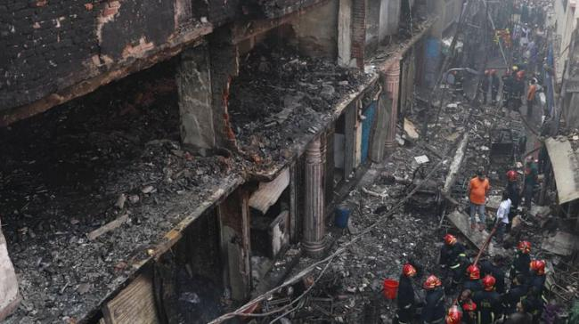 69 Charred To Death In Dhaka Building Fire - Sakshi Post