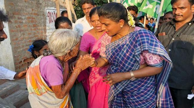 YSRCP candidate R K Roja during Election Campaign - Sakshi Post