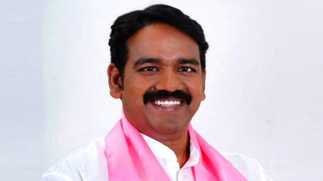 Chief Minister K Chandrashekar Rao zeroed in on Naveen Rao as TRS' candidate for the upcoming election to elect an MLC under MLA quota. - Sakshi Post