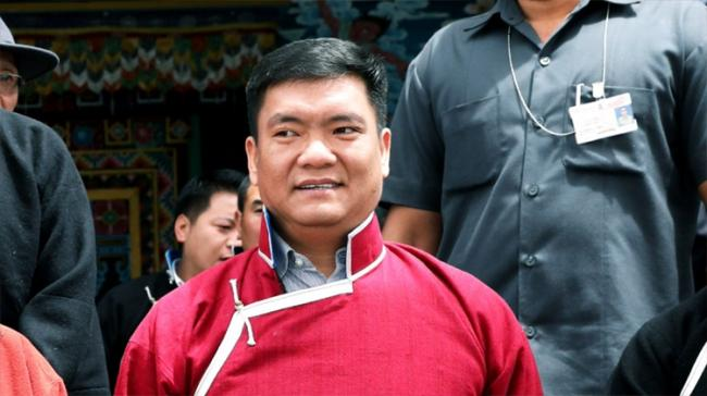 Arunachal Pradesh Governor Brig (Retd) B D Mishra on Monday invited BJP leader and chief minister-designate Pema Khandu to form the next government in the state - Sakshi Post