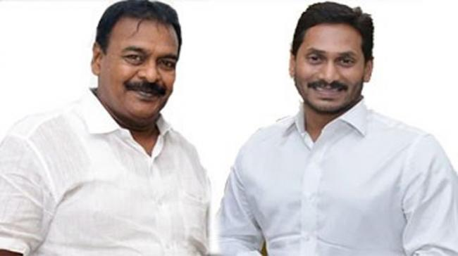 The lone Jana Sena MLA from Razole met YS Jagan on the first day of Assembly sessions in Amaravati on Wednesday - Sakshi Post