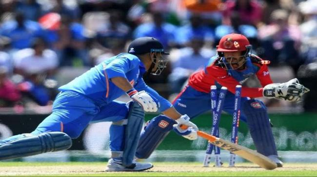 MS Dhoni Stumped For First Time Since 2011 - Sakshi Post