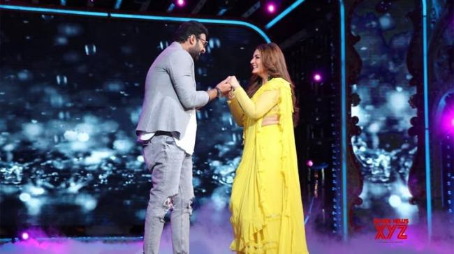 Prabhas and Shraddha recently arrived at the dance show Nach Baliye 9 and Kapil Sharma for the promotion of their film - Sakshi Post