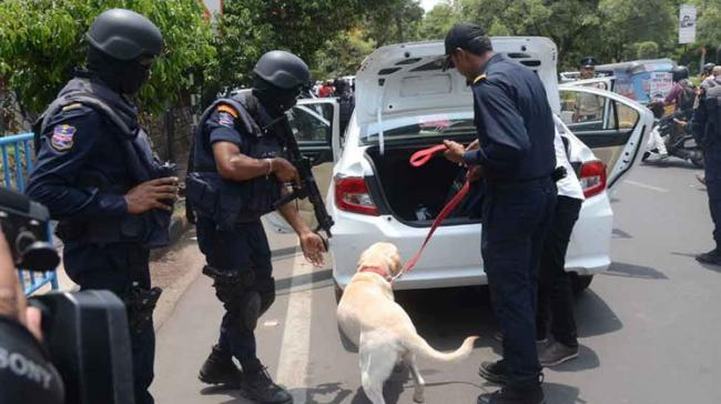 Police Conduct Cordon And Search Operations In Puttur - Sakshi Post