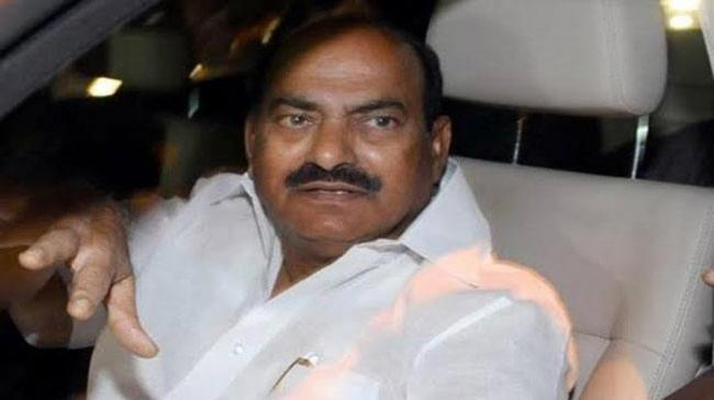 Car Driver Loots Rs 6 Lakh From Former MP JC Diwakar Reddy - Sakshi Post