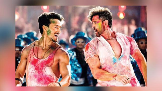 Hrithik-Tiger's 'War' Crosses Rs 300 Cr In India - Sakshi Post