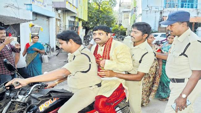 Accused being taken by the police - Sakshi Post