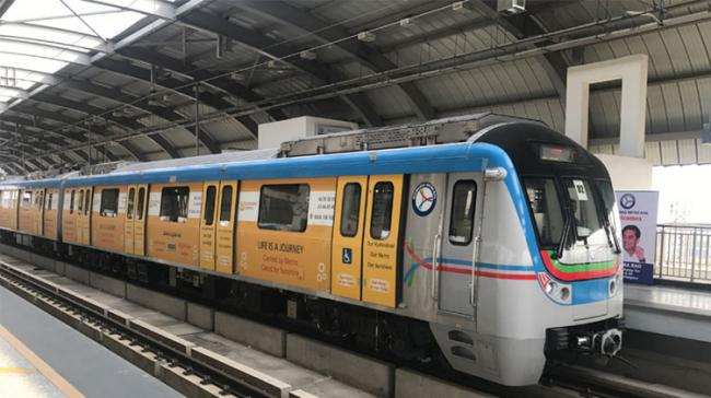 Hyderabad: Watch Your Favourite Movies Or Play Games On Metro Now - Sakshi Post