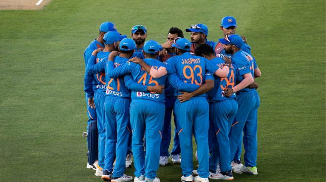 2nd T20I: All-round India Ease Past New Zealand To Take 2-0 Series Lead - Sakshi Post
