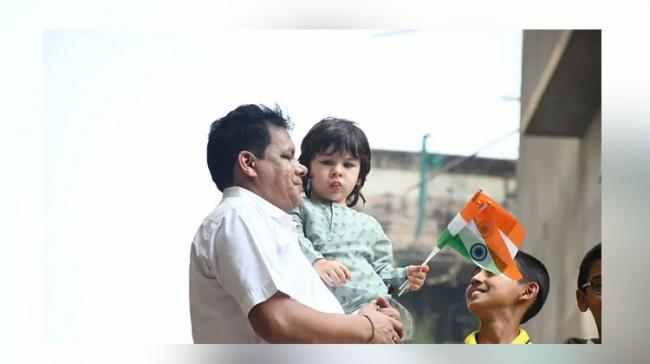 Taimur Ali Khan posing with tricolor on Republic Day - Sakshi Post