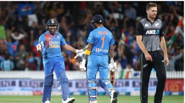 <br>Hitman Rohit Sharma hit a brilliant unbeaten 15 (including two sixes) in the Super Over as India chased down New Zealand's score of 17 to win the third T20I - Sakshi Post