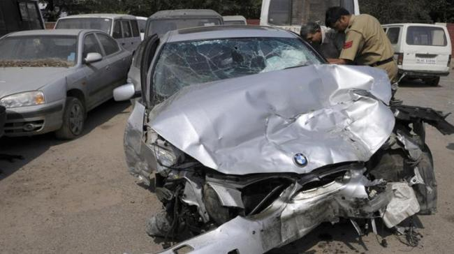 Tangled Car in which the accused were tried to flee - Sakshi Post