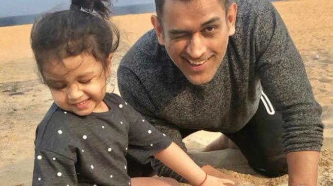 MS Dhoni with daughter Ziva - Sakshi Post