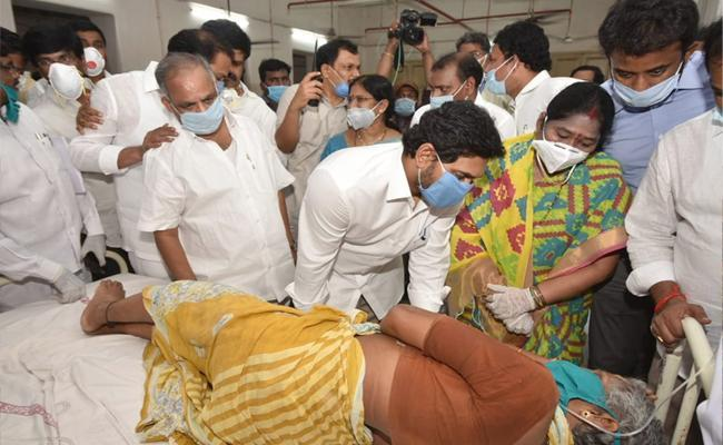 Chief Minister YS Jagan Mohan Reddy consoling the victims of Vizag gas leakage - Sakshi Post
