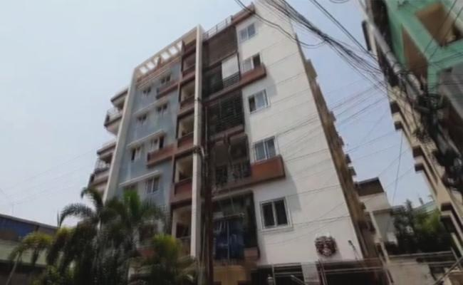 This is the apartment where people who tetsted postive for coronavirus on Saturday are residing - Sakshi Post