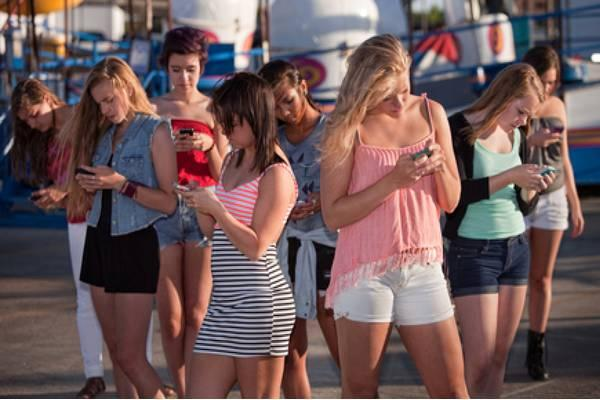 A latest study reveals that most of the women find it more difficult to be without their smart phones for a week than their partner. - Sakshi Post