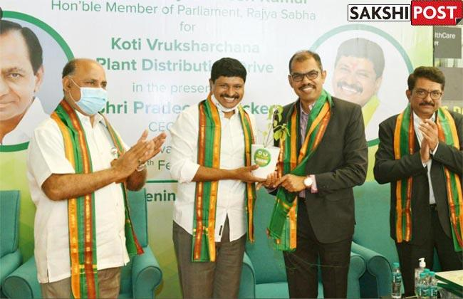 Green India Challenge: TRS MP Distributes Saplings To RGIA Passengers Ahead of KCR's Birthday - Sakshi Post