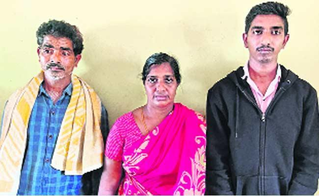 Krishna District: Village Volunteer, Family Exprelled For Sharing Auto With Ostracised Man - Sakshi Post