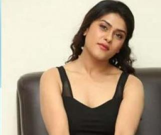 Telugu actress Naira Shah and her friend held by Mumbai Police for allegedly consuming drugs - Sakshi Post